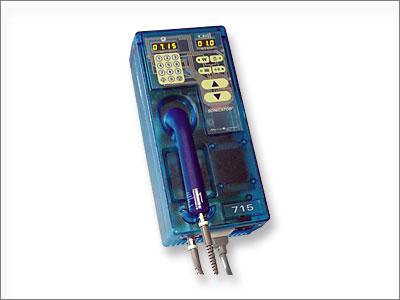 W zakresie przenośnych aparatów do terapii ultradźwiękowej nie znajdziecie Państwo lepszego niż nowy SONICATOR 715 i 716. Każdy z nich oferuje Wam najwyższą, gwarantowaną przez firmę Mettler jakość jednocześnie za przystępną cenę.